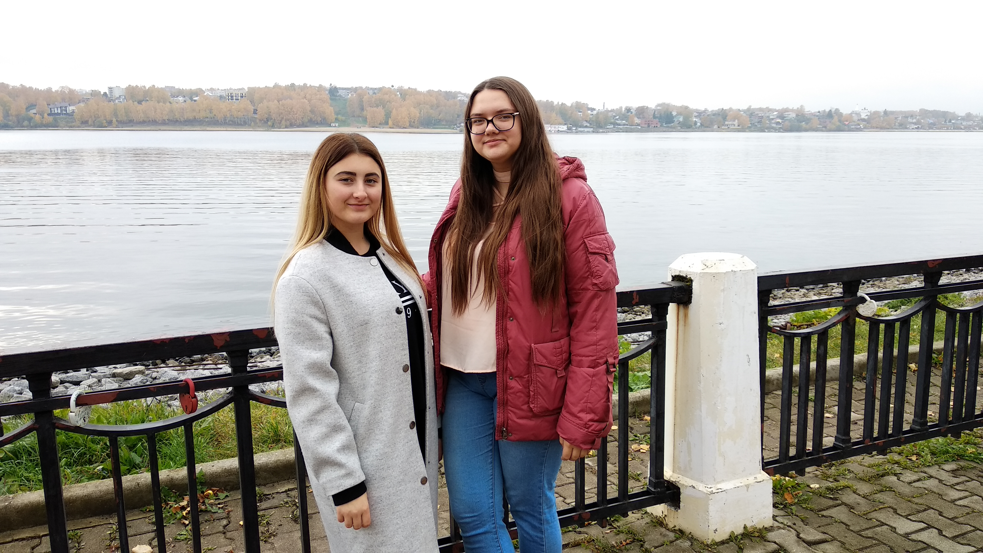 Аня и Лера