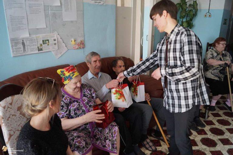 Кукольный театр для бабушек и дедушек
